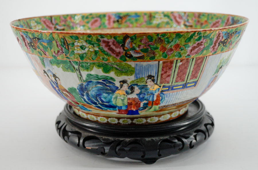 Large Chinese Export Rose Medallion Bowl